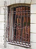 Решетка кованая на окно по эскизу РО-018