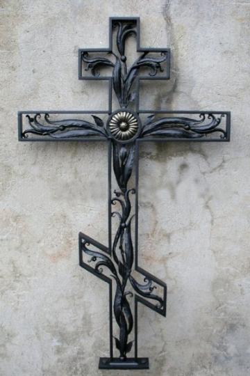 Кованый крест на могилу 13
