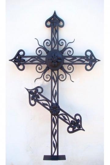 Кованый крест на могилу 14