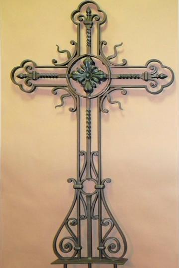 Кованый крест на могилу 16