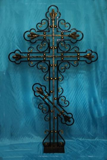 Кованый крест на могилу 03