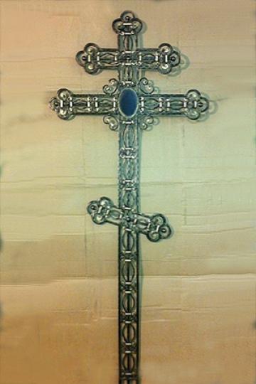Кованый крест на могилу 09